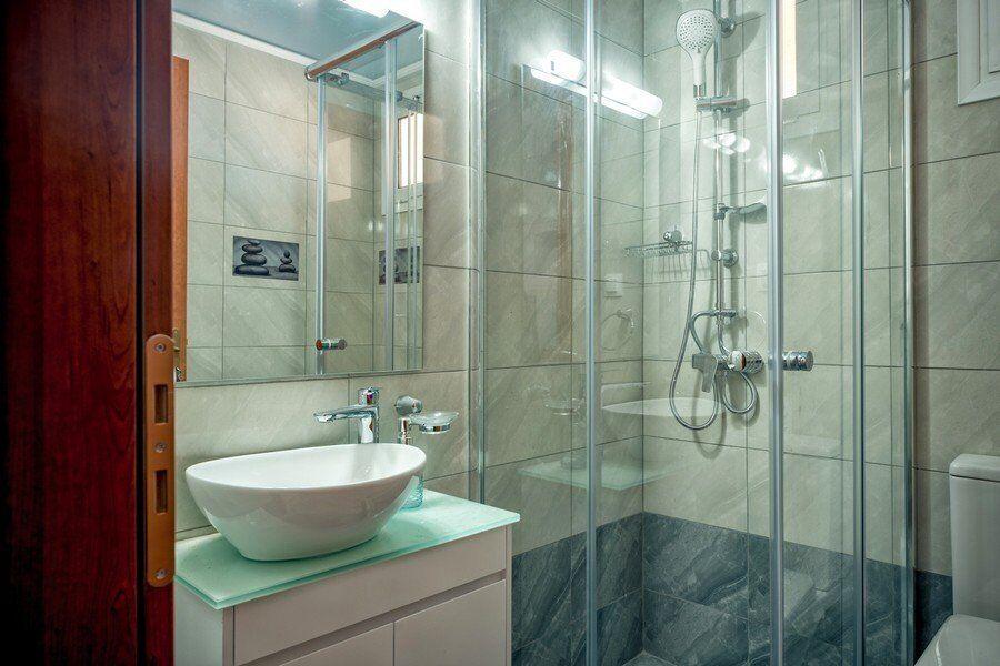 Zakynthos private pool villas Eleon bathroom