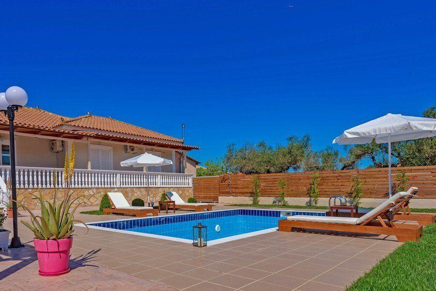 Zakynthos private pool villas Eleon