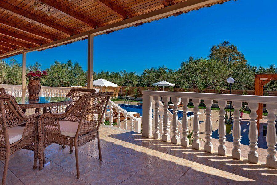 Zakynthos private pool villas Eleon verada