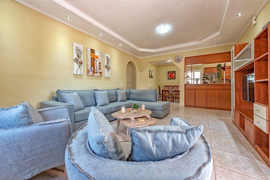 Zakynthos private pool villas Eleon living room
